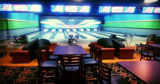 Lucky Jacks | Laser Tag | Bowling | Arcade | Family Fun Center